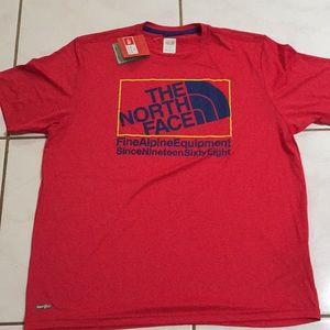 NWT Men's The North Face VaporWick Fabric T-shirt